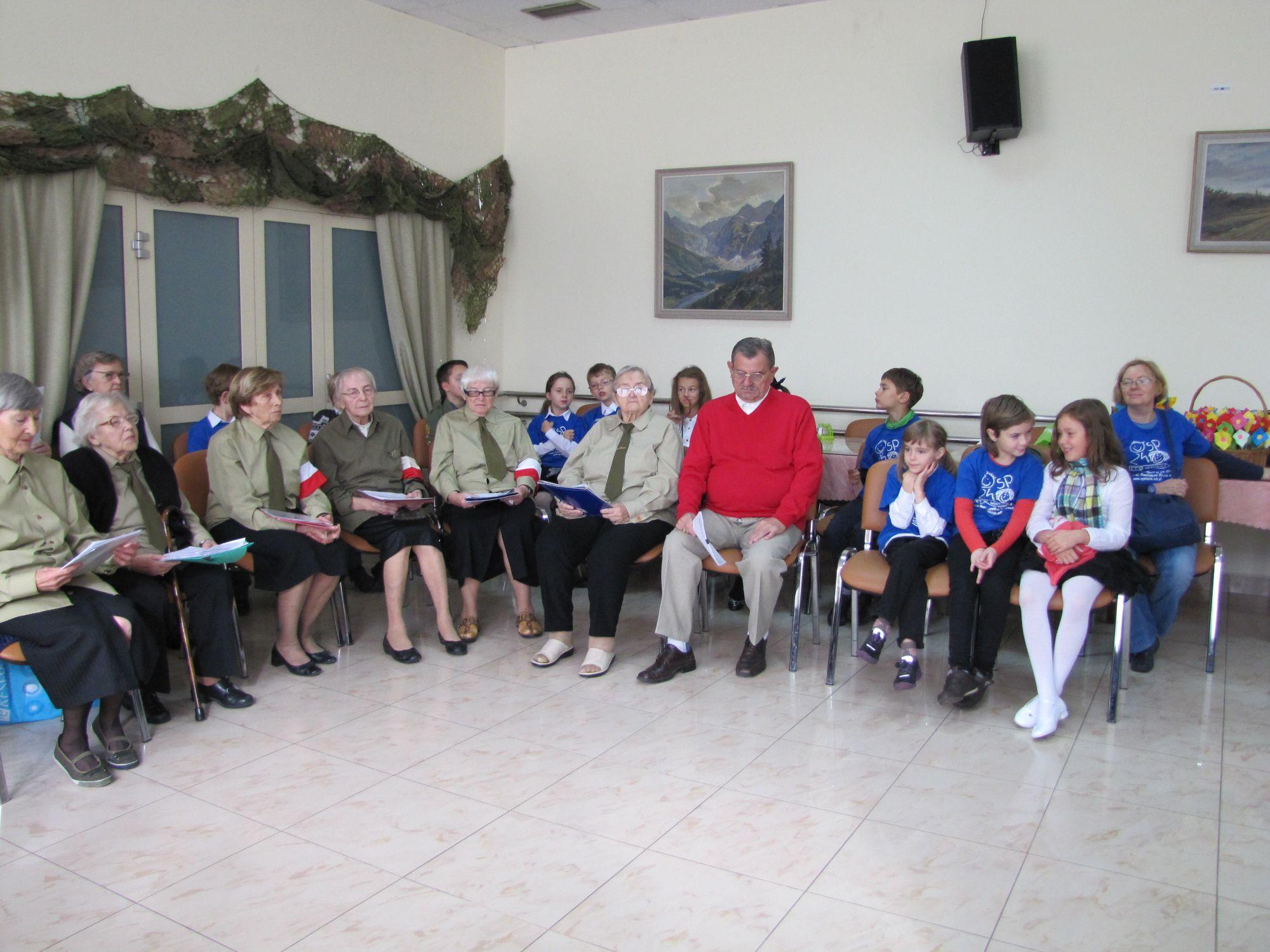 2.10.2012 Wspólne śpiewanie piosenek z Powstania Warszawskiego