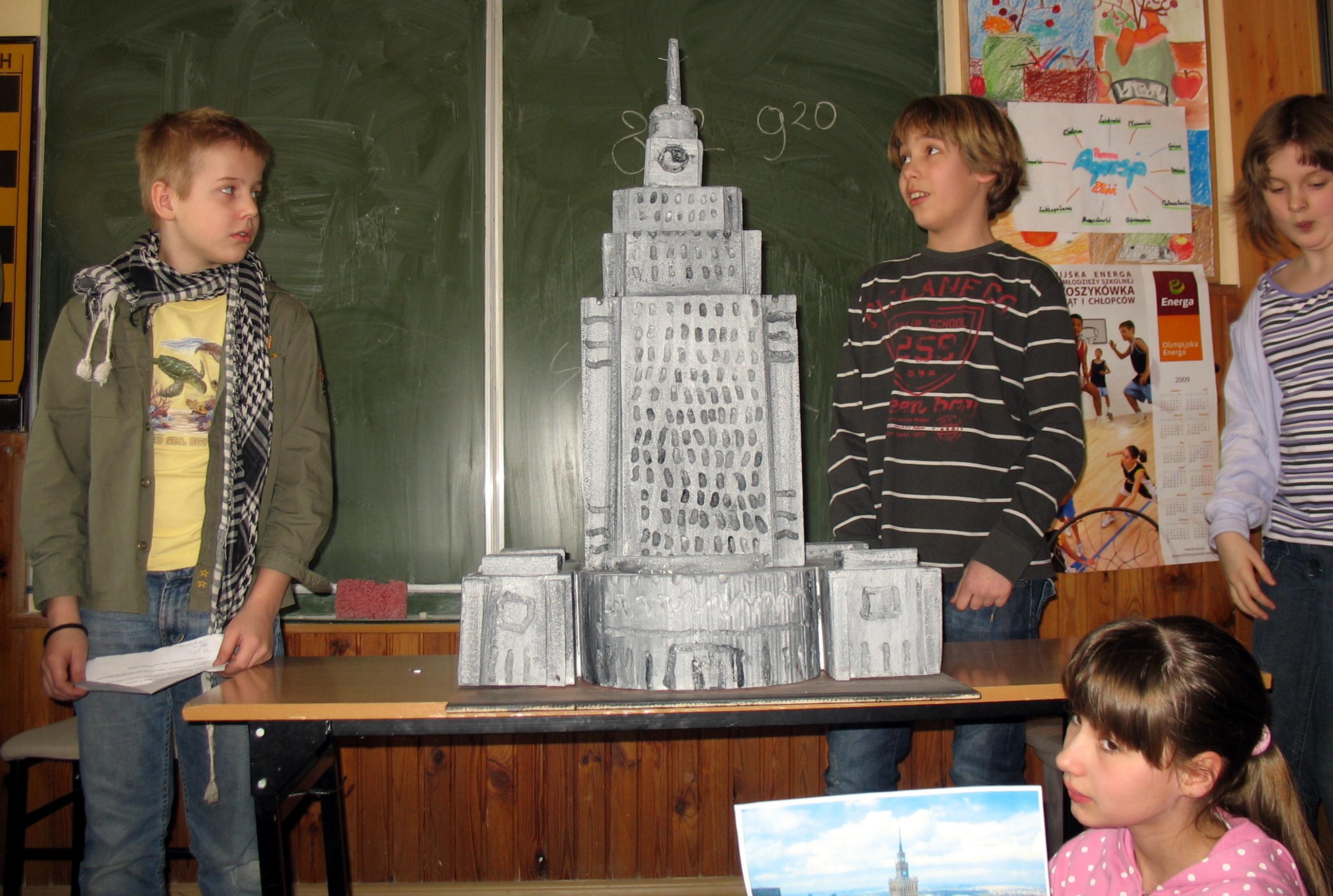 2009 - Prezentacje prac samodzielnych klas 4